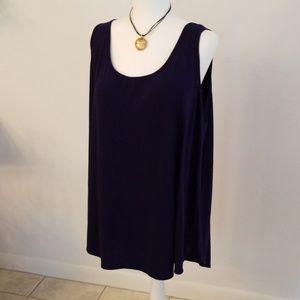 Woman's sleeveless top